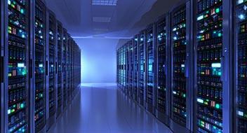 Serverraum in blauem Licht