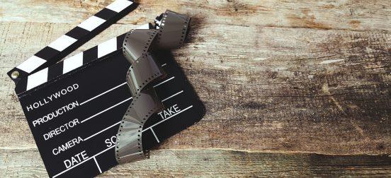 Claquette de film sur du vieux bois