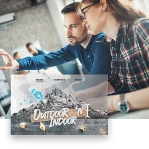 Mann und Frau, die auf Monitor schauen; Screenshot von Website mit Schrift Outdoo `n Indoor